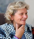 Dr. Corina Ahlers