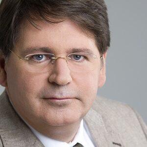 Univ. - Prof. Dr. med. univ. Ernst Agneter, MBA