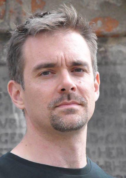 Dr. Lucas Mazur